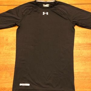 Men's Under Armour heat gear compression shirt Med
